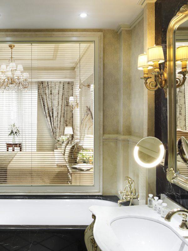 Suite 518 - BathroomT_post